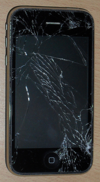 iPhone mit Riss im Touchscreen Display